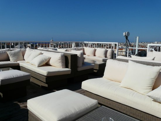 Splendid Hotel & Spa: Rooftop chill-out seating