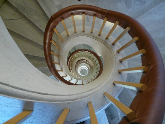 Splendid Hotel & Spa : The hotel stairwell