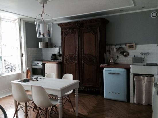 La Maison Matelot : beautiful kitchen area