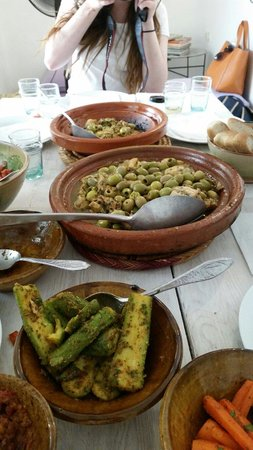 Souk Cuisine : Chicken, preserved lemon and olive tagine