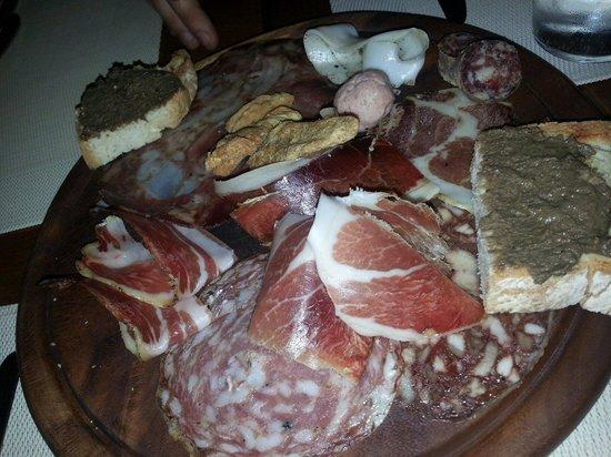Club Culinario Toscano da Osvaldo : Antipasto salumi