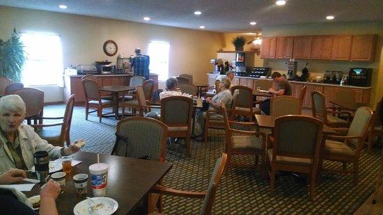 Best Western Pine Springs Inn : Free breakfast area