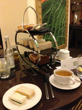 The Cavendish London: Afternoon tea :)