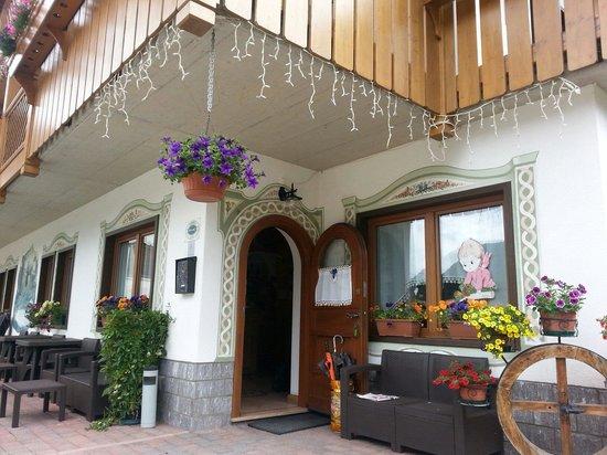Hotel Garni Ladinia : Entrata del Garni