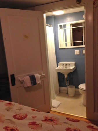 Monadnock Inn: Bathroom, shower curtain on left, toilet on right