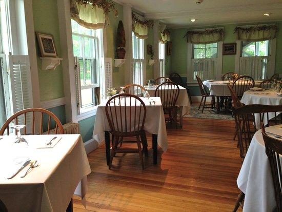 Monadnock Inn: Breakfast room
