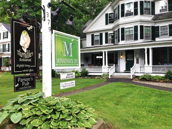 Monadnock Inn: Front of the inn