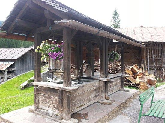 Hotel Garni Ladinia: Lavatrici antiche a Pescul