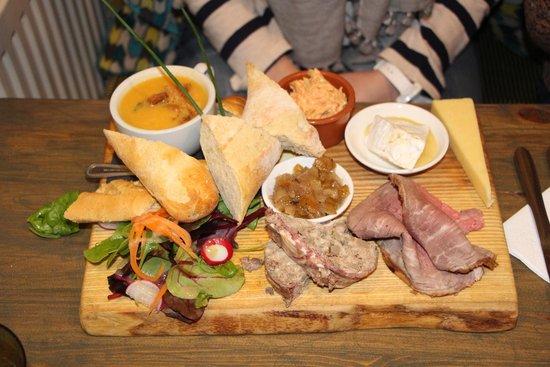 The Reservoir Inn: Ploughman's lunch