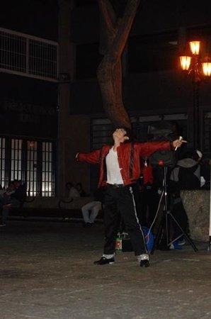 Centro histórico de Lima: Michael Jackson street performer!