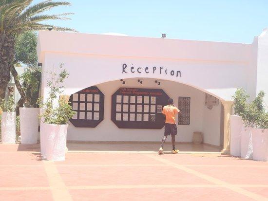 Club Eldorador Salammbo : Reception