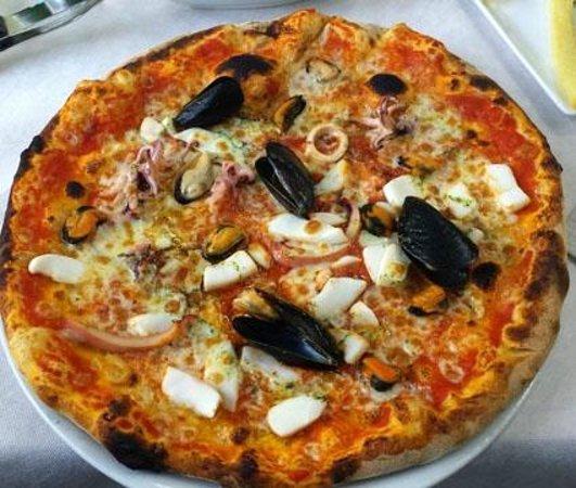 Trattoria Pizzeria Giardino: Pizza Frutti di Mare