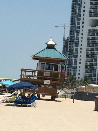 Marenas Beach Resort: Praia