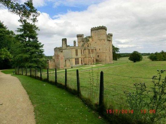 Belsay Hall, Castle and Gardens: Castle