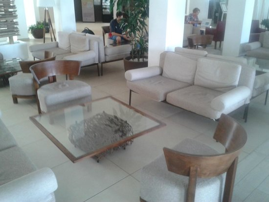 db Seabank Resort + Spa: lobby