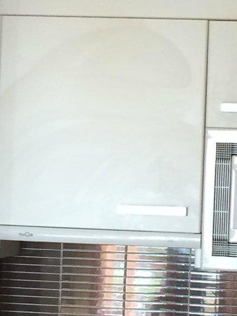 Holiday Polynesia: armoire kitchenette