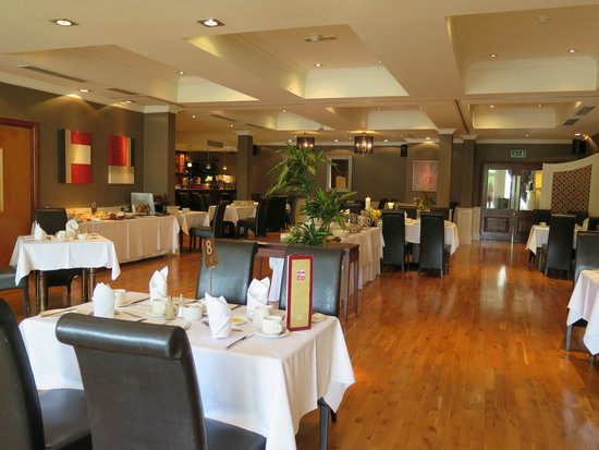 Brook Lane Hotel: Breakfast room