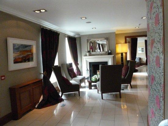 Brook Lane Hotel: Lobby / sitting area