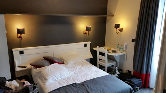 Hotel Le Faucigny : Main bedroom