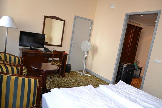 "Grand Hotel Viljandi: ""Windmaker"" and door to the connecting room"