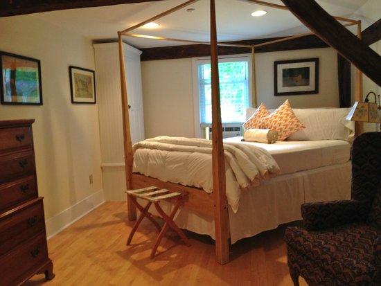 Kennebec Inn: The Remington Room