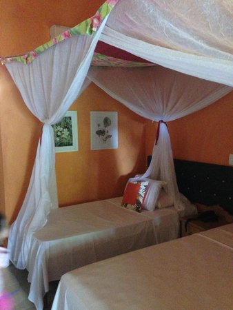 Mar Paraiso Resort: Quarto - Cama de Solteiro