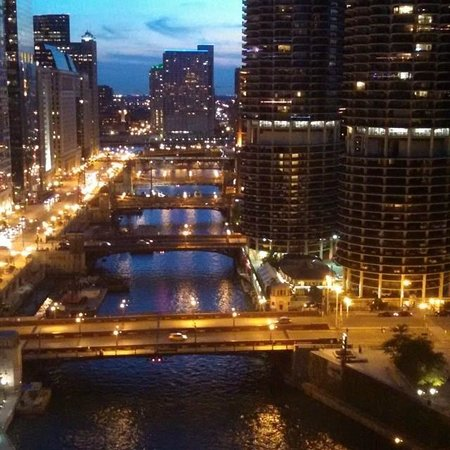Club Quarters Hotel, Wacker at Michigan: View from the room at sunset