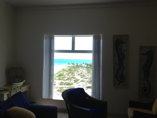 The Venetian on Grace Bay : We enjoyed watching movies in this TV room