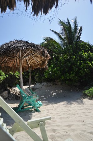 Azulik: Beach palapa and chair