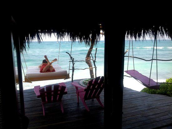 Azulik : Romance villa deck with swing-bed