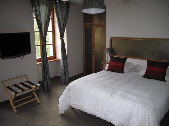 Hotel Chateau de Palaja à 5 kms de Carcassonne : Letto