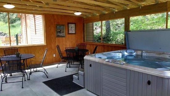 Trails End Cabins & Motel : Gazebo