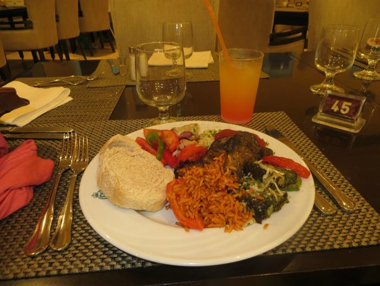 Marhaba Royal Salem: My first buffet meal + free cocktail