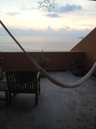 Las Brisas Ixtapa: Balcony with hammock and ocean view.