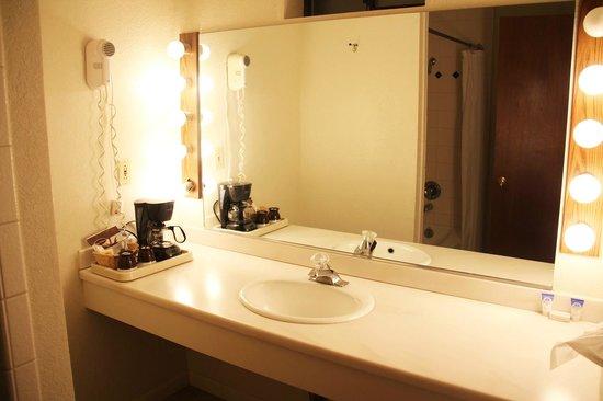 Mariposa Lodge: Badezimmer