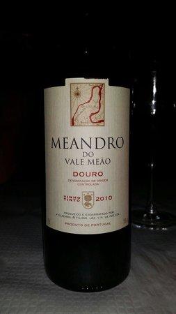 Restaurante O Manjar: Best wine in town