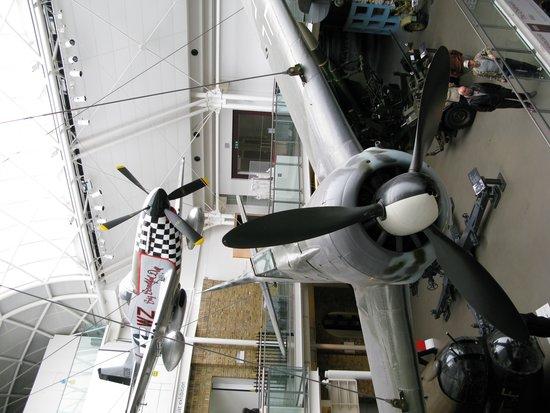Museo Imperial de la Guerra: P-51 Mustang and Spitfire.