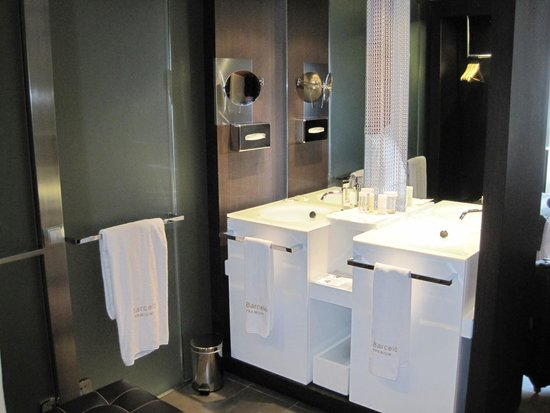 Barcelo Oviedo Cervantes : Casa de banho