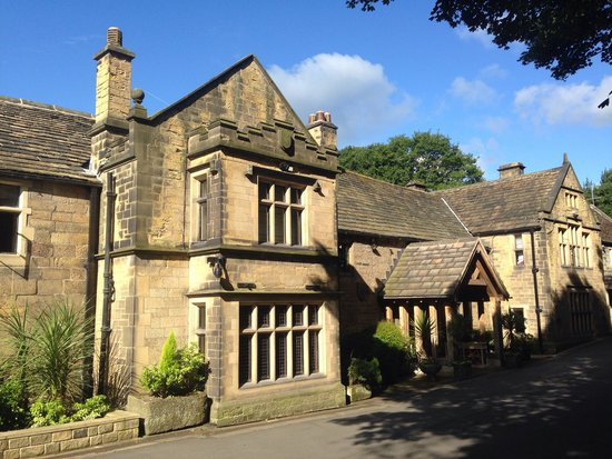 Whitley Hall Hotel: Front view
