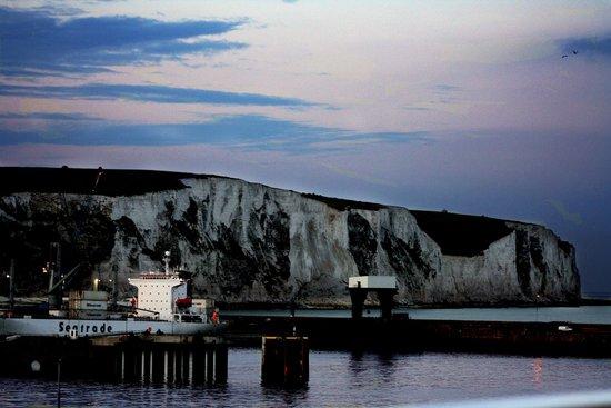 Falaises blanches de Douvres : le bianche scogliere di Dover