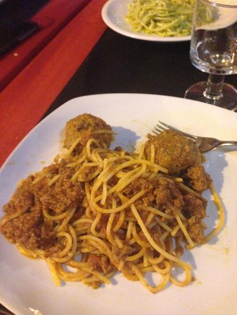 Al Presidente: Spaghetti with mystery meat
