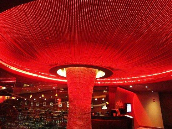 Seneca Allegany Resort & Casino : beautiful lights at the Italian Restaurant