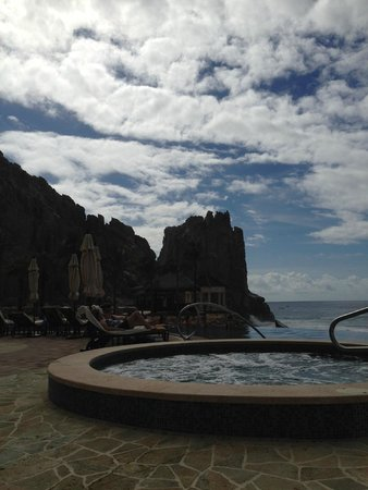 Grand Solmar Land's End Resort & Spa : Looking at the rock at land's end
