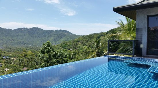 Koh Tao Heights Pool Villas: View from the pool