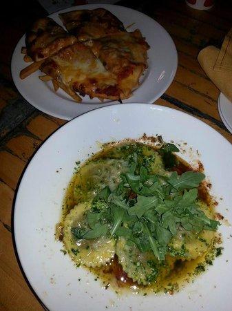 Queen Victoria Place Restaurant: Mushroom stuff ravioli