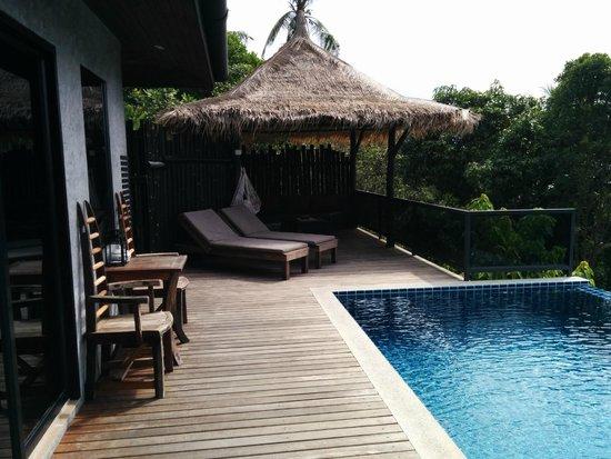 Koh Tao Heights Pool Villas: Outdoor area