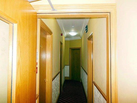 Viking Hotel: Corridor