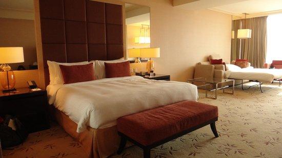 Marina Bay Sands: Club room 4752