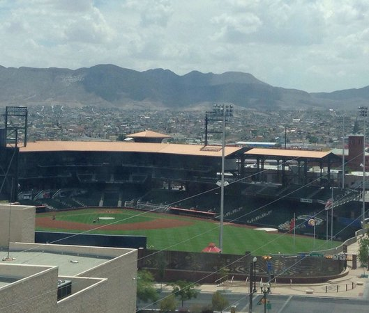 Doubletree Hotel El Paso Downtown/City Center: View from room 1121!
