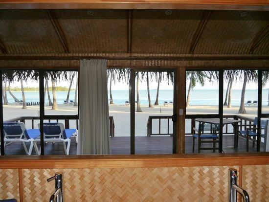 Aitutaki Lagoon Resort & Spa: Huge window for a spectacular view
